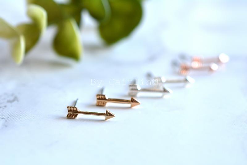 Pijltjes oorbellen studs - By Caitlin©