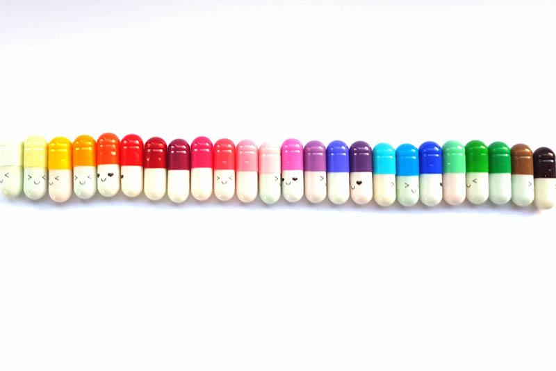 pilletjes met briefje WINNEN: Happy Pills Blije pilletjes met een briefje erin