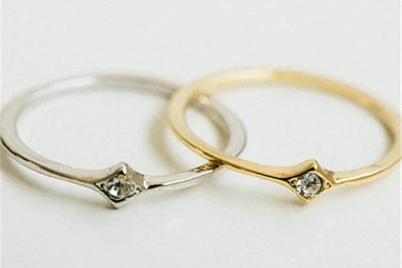 Fijne Losange ring met steentje